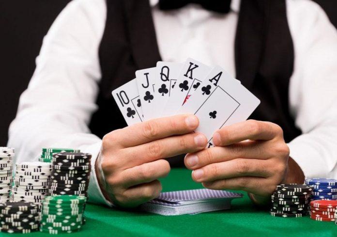 日本國民爭相到賭場學校報讀培訓課程
