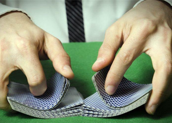 香港警方搗破德州撲克賭檔拘12人