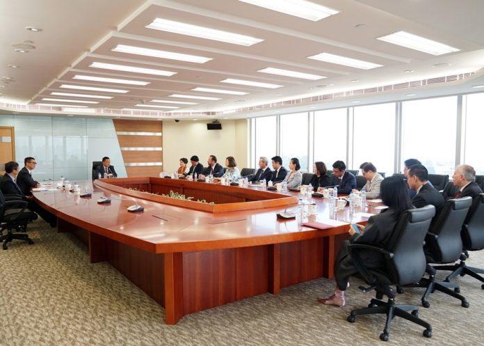 澳門經濟財政司司長梁維特今與六間博企代表會晤