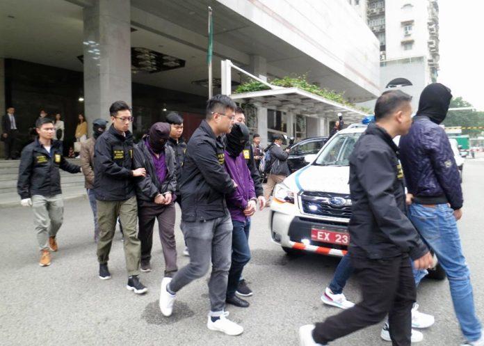 澳門珠海警方破偷渡集團拘8男女包括兩主腦及換錢黨扒仔人蛇