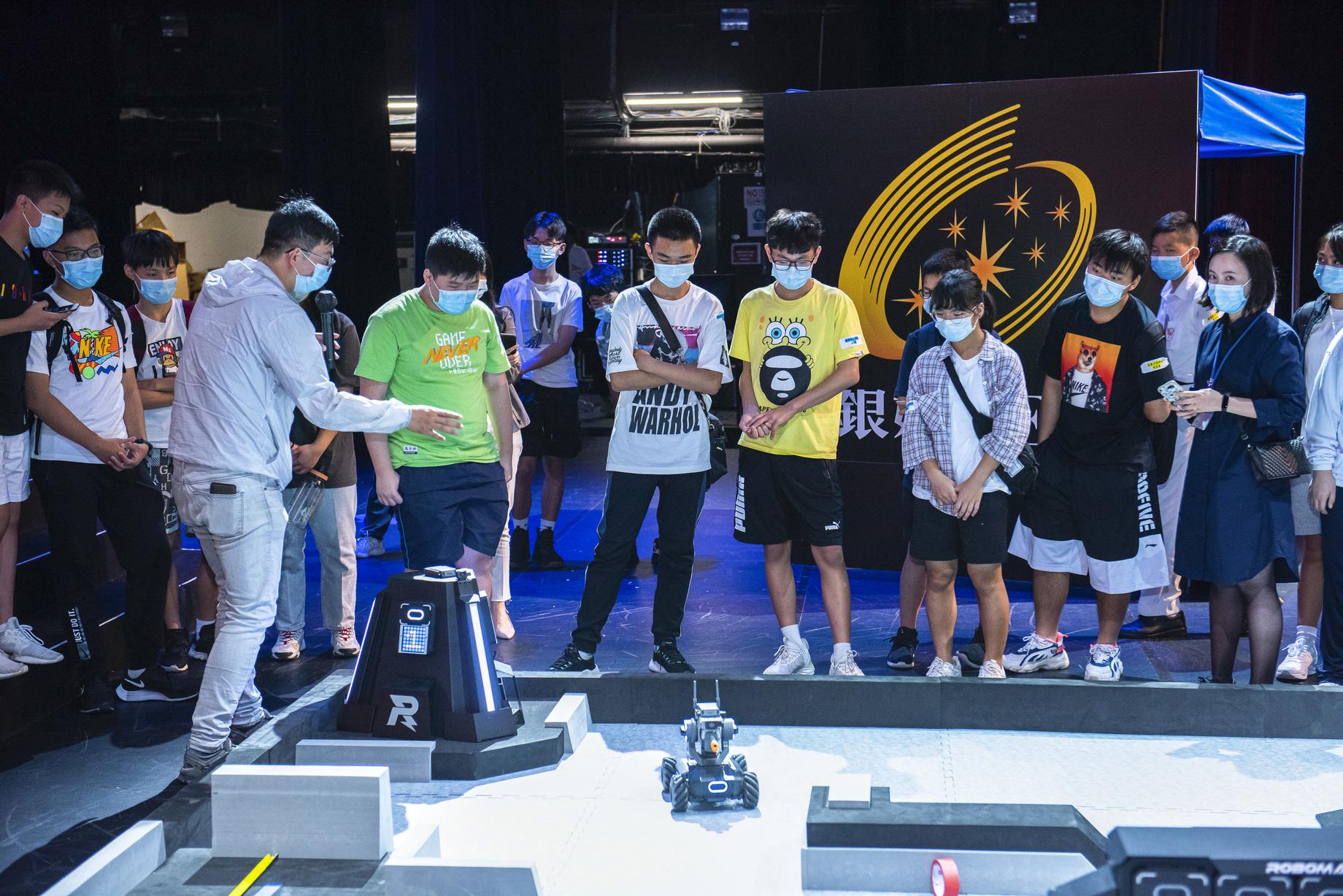 澳門青少年機械人大賽百老匯舉行 銀娛冀推科普教育助培創新人才