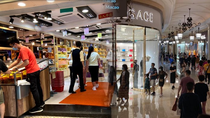 五一黃金周日均3.7萬旅客訪澳 藥房手信店受惠生意料回復6成
