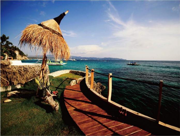 菲律賓允長灘島開賭 外媒指LRWC將接洽銀娛重啟合作計劃